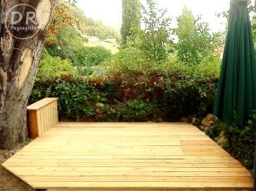 Terrasse en mélèze - avec bac à sable intégré
